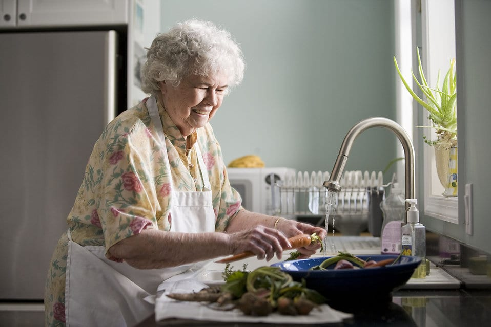 how to talk to elderly parents about assisted living